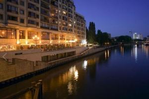 Riverside City Hotel