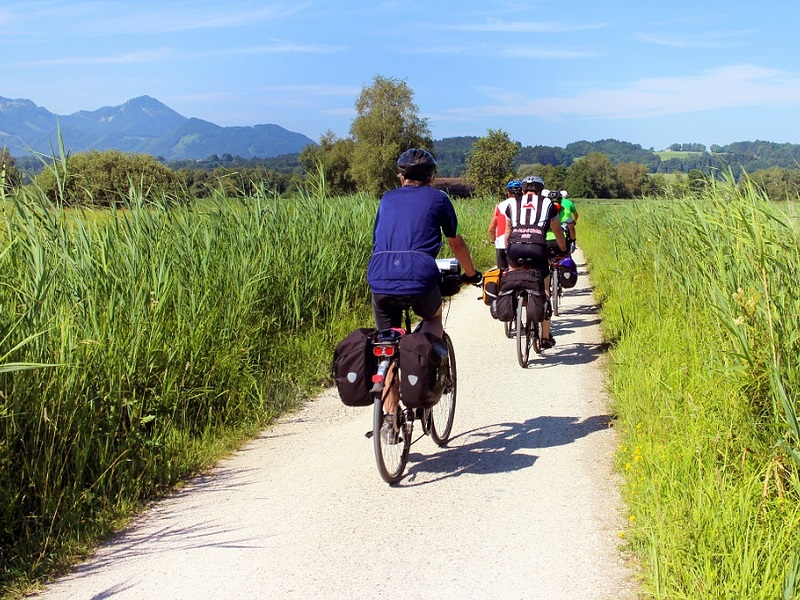 Populaire fietsroutes in het buitenland