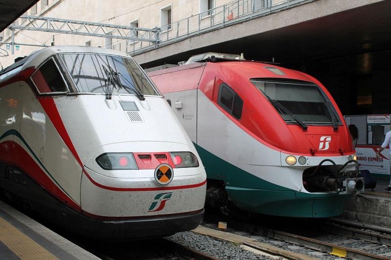 Treinen op Milaan Centraal