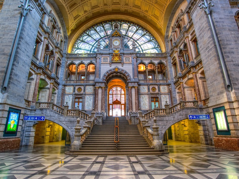 Goedkoop treinticket naar Antwerpen boeken