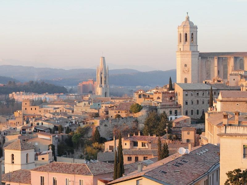 Treinticket naar Girona boeken