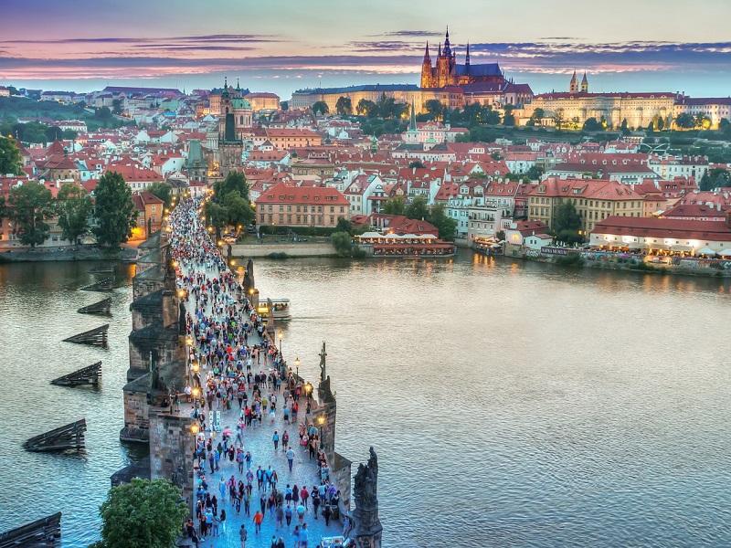 Treinticket naar Praag boeken