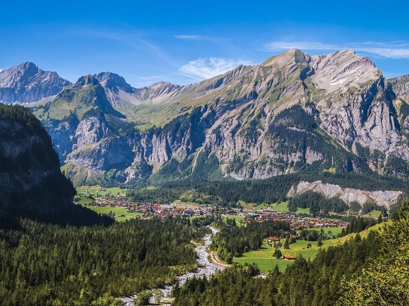 Trein naar Kandersteg